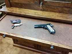 Pull Out Pistol and Long Gun Cleaning Shelf